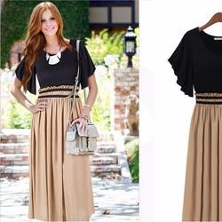 Đầm bầu ngắn tay, thiết kế hiện đại, phối màu nổi bật, thời trang.