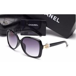 Mắt kính nữ Chanel sang trọng