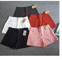 quần shorts vải lưng cao