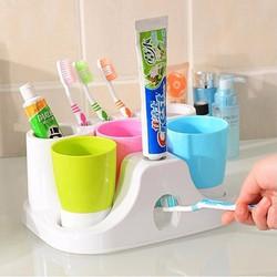 Bộ dụng cụ đựng và nặn kem đánh răng tự động