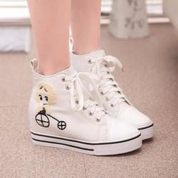 Giày trắng xinh xắn Style Korea