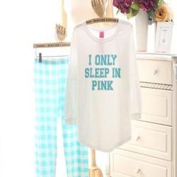 Đồ bộ sau sinh áo dài in chữ dễ thương và quần dài caro DBS58