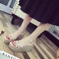 HÀNG NHẬP CAO CẤP  SALE OFF- Giày sandal đế xuồng sang trọng