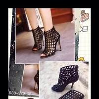 Giày cao gót thiết kế dạng boot kiểu đan ô sành điệu xinh đẹp GCN241