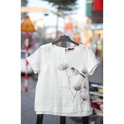 Áo ngắn trắng vẽ hoa chim góc phải size M