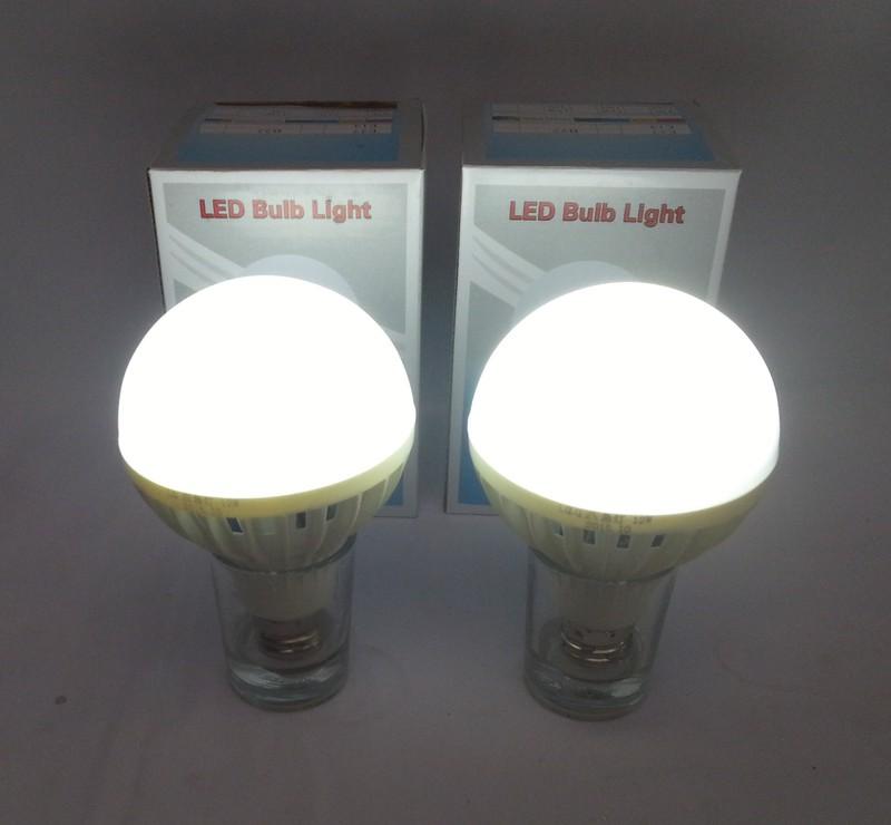 Bóng đèn LED Bulb 9W thắp sáng không cần điện 3