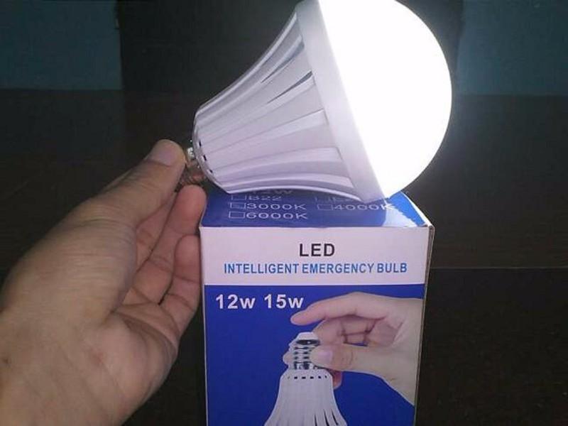Bóng đèn LED Bulb 9W thắp sáng không cần điện 1