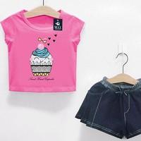 Bộ áo+chân váy hình cupcake cho bé gái.