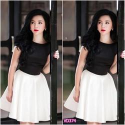Set áo đen tay con chân váy trắng xòe