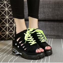 Giày Sandal nữ nâng đế kiểu dáng cá tính phong cách Hàn Quốc - SG0282