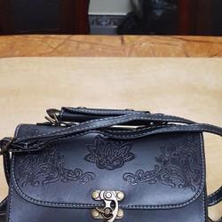 Túi xách nữ thời trang, màu sắc cổ điển, kiểu dáng mới trẻ trung.