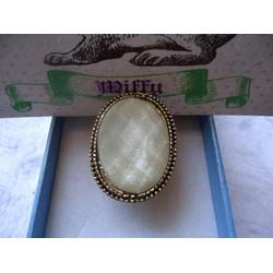 N16 - Nhẫn viên đá
