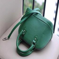 Túi xách hến Louis Vuitton