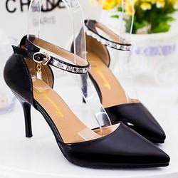 giày cao gót có đính đá, hạt đá rơi một bên tạo cho nàng thêm xinh-156