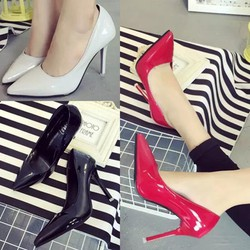 Giày nữ cao gót cực duyên dáng - 153