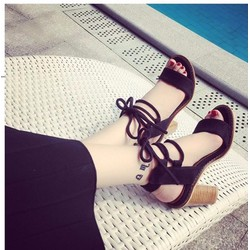 Giày sandal chiến binh quai ngang đế vuông giả gỗ