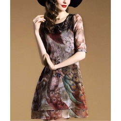Đầm Suông Phối Ren Hoa Tiết Chim Công