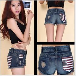 Quần shorts jeans rách cờ