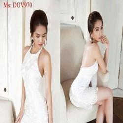 Đầm body cổ yếm phối ren màu trắng trẻ trung như Ngọc trinh DOV970