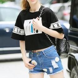 Set áo crop thun + quần short jeans