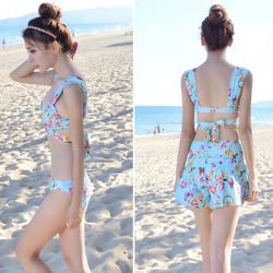 Bộ bikini 3 mảnh cực xinh