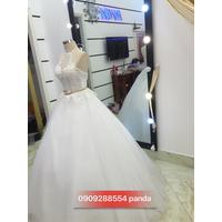 áo  cưới cổ yem xinh dịu dàng