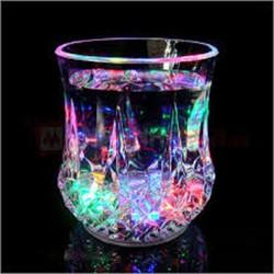 Combo 2 ly nước thần kỳ tự sáng đèn Led 7 màu