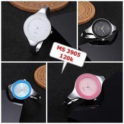 Đồng hồ lắc tay nữ xinh xắn