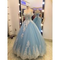 áo cưới tay ngang rớt xanh biền chân ren cao đuôi dài giá cực mềm