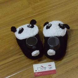 Giày len em bé hình gấu Panda