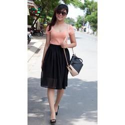 Chân váy đen xốp xòe