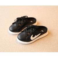 Giày xỏ nửa cho bé trai và bé gái X-73 đen