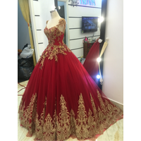 áo cưới đỏ chân ren đuôi lộng lẫy,khách lẻ giảm 200n 1 áo