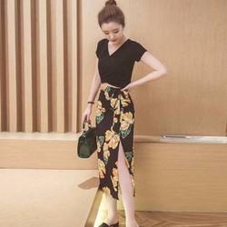 HÀNG NHẬP - Set áo pull + Chân váy body xẻ tà in hoa Cách Điệu