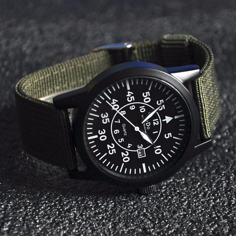 Đồng hồ quân đội dây vải mặt đen dây xanh 2