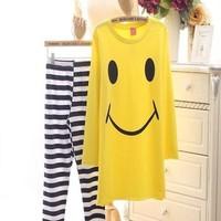 Đồ bộ mặc nhà áo hình mặc cười và quần dài sọc ngang sành điệu NN388