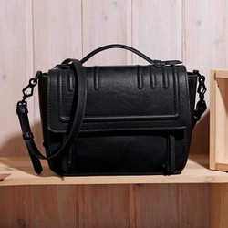 Túi Charles and Keith hộp
