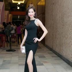 Đầm maxi dự tiệc màu đen sang trọng thiết kế xẻ đùi quyến rũ DDH342