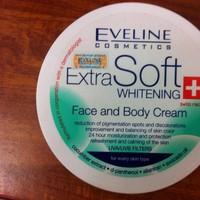 Kem dưỡng trắng da mặt và Body Extra Soft Whitening