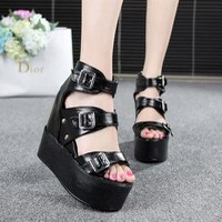 Giày sandal đế bánh mì G-528