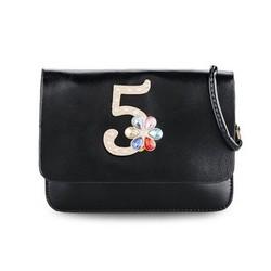 Túi đeo chéo số 5 đính hoa