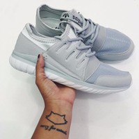 Giày Adidas Tubular Radial - Trắng