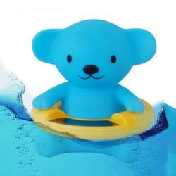 Đo nhiệt độ nước tắm hình gấu
