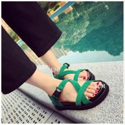 Giày sandal bánh mì khoá bấm