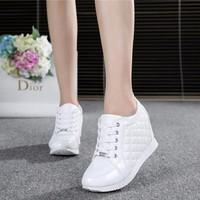 Giày sneakers đế độn TT056T- F3979.com