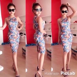 Đầm ôm body cổ yếm