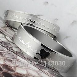 Nhẫn cặp couple giá rẻ khắc tên NC141