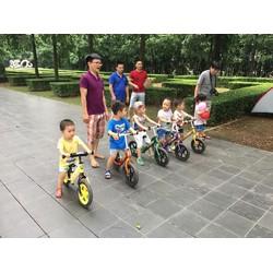 Xe đạp cho bé yêu vui chơi ngày hè