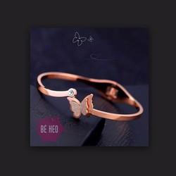 Bộ vòng tay, dây chuyền, bông tai bướm cao cấp không đen
