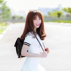 Đầm thời trang màu trắng phối viền đen rất xinh đẹp xì teen DOV40